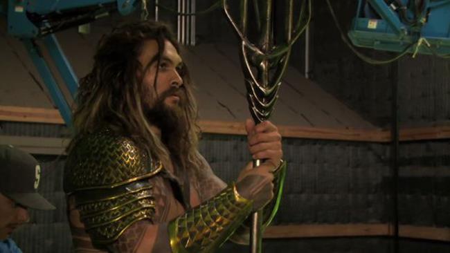 Jason Momoa sul set di Justice League