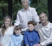 Foto della famiglia Zaring ritoccata e condivisa su Facebook
