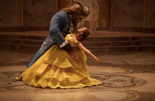 Il ballo di Belle e la Bestia nel live-action