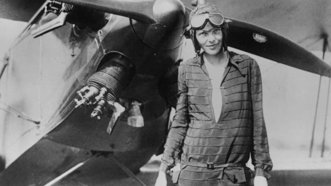 L'aviatrice americana Amelia Earhart scomparsa nel 1937