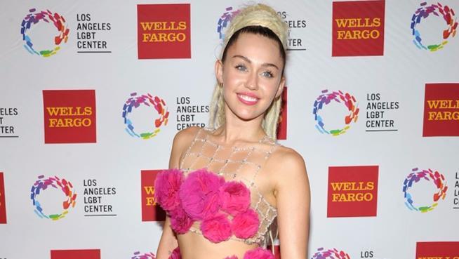 Miley Cyrus a un evento del Los Angeles LGBT Center