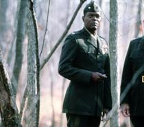 Samuel L. Jackson e Tommy Lee Jones in una scena di Regole d'onore