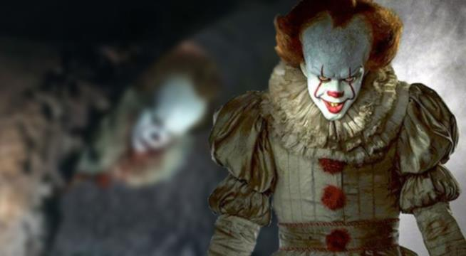 Il clown Pennywise in primo piano