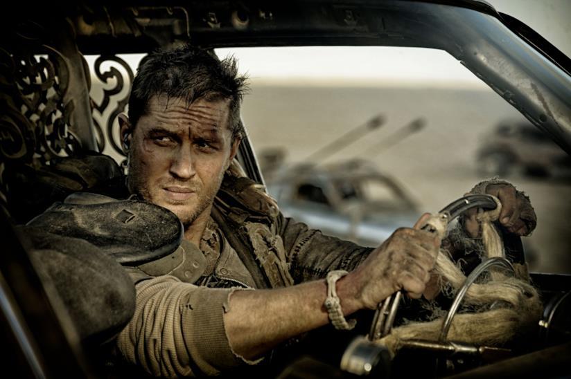 Tom Hardy è Max Rockatansky in una scena di Mad Max: Fury Road