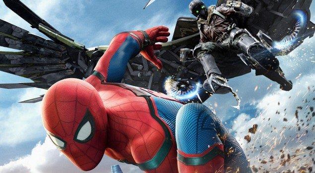 Spider-Man e l'Avvoltoio combattono in una scena del film