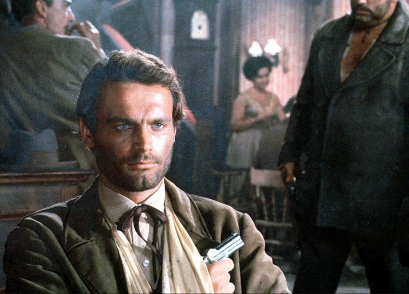 Terence Hill in una scena di Dio perdona... io no!