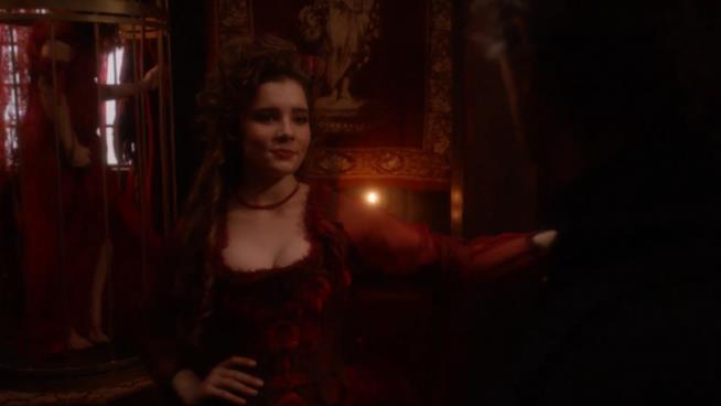 La strega Mercy Lewis è interpretata da Elise Eberle
