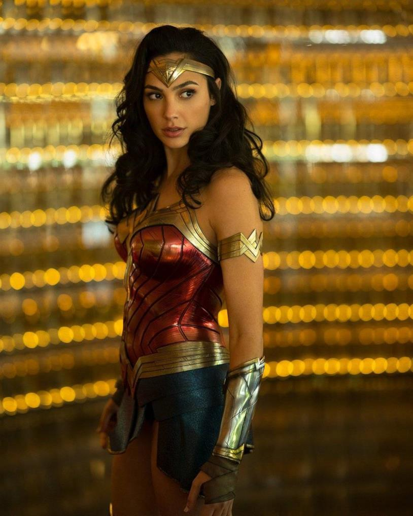 Gal Gadot nel costume di Wonder Woman