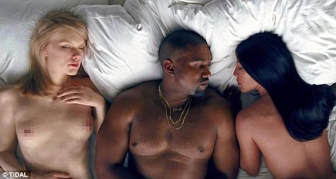 Fotogramma tratto dal video Famous di Kanye West con Taylor Swift