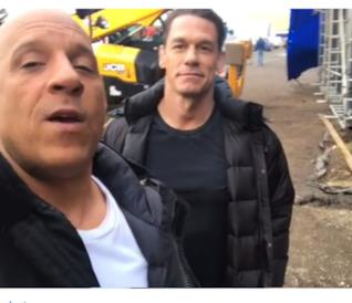 Vin Diesel al volante in una scena notturna