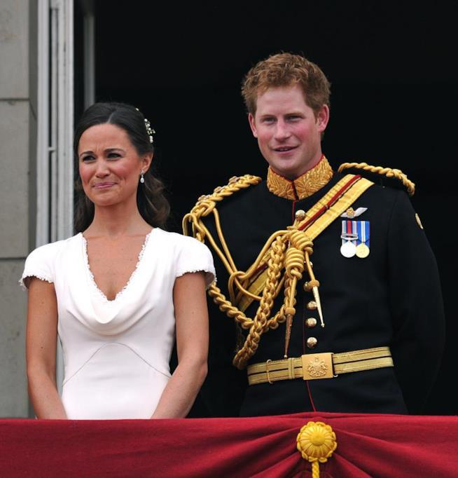 Il Principe Harry con Pippa Middleton al matrimonio di William e Kate