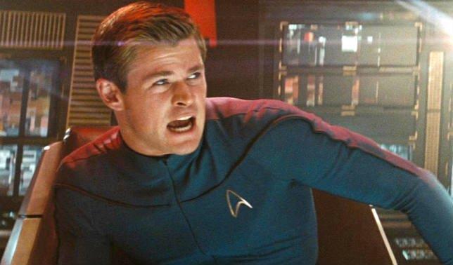Mezzobusto di Chris Hemsworth nei panni di George Kirk, padre del più famoso Capitano Kirk
