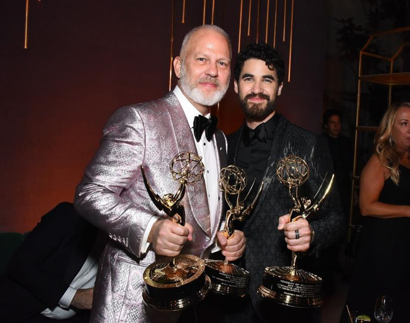 Ryan Murphy e Darren Criss durante gli Emmy Awards 2018