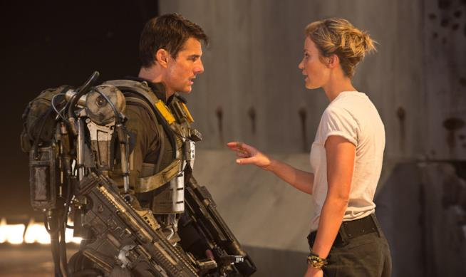 Tom Cruise ed Emily Blunt in una scena del film