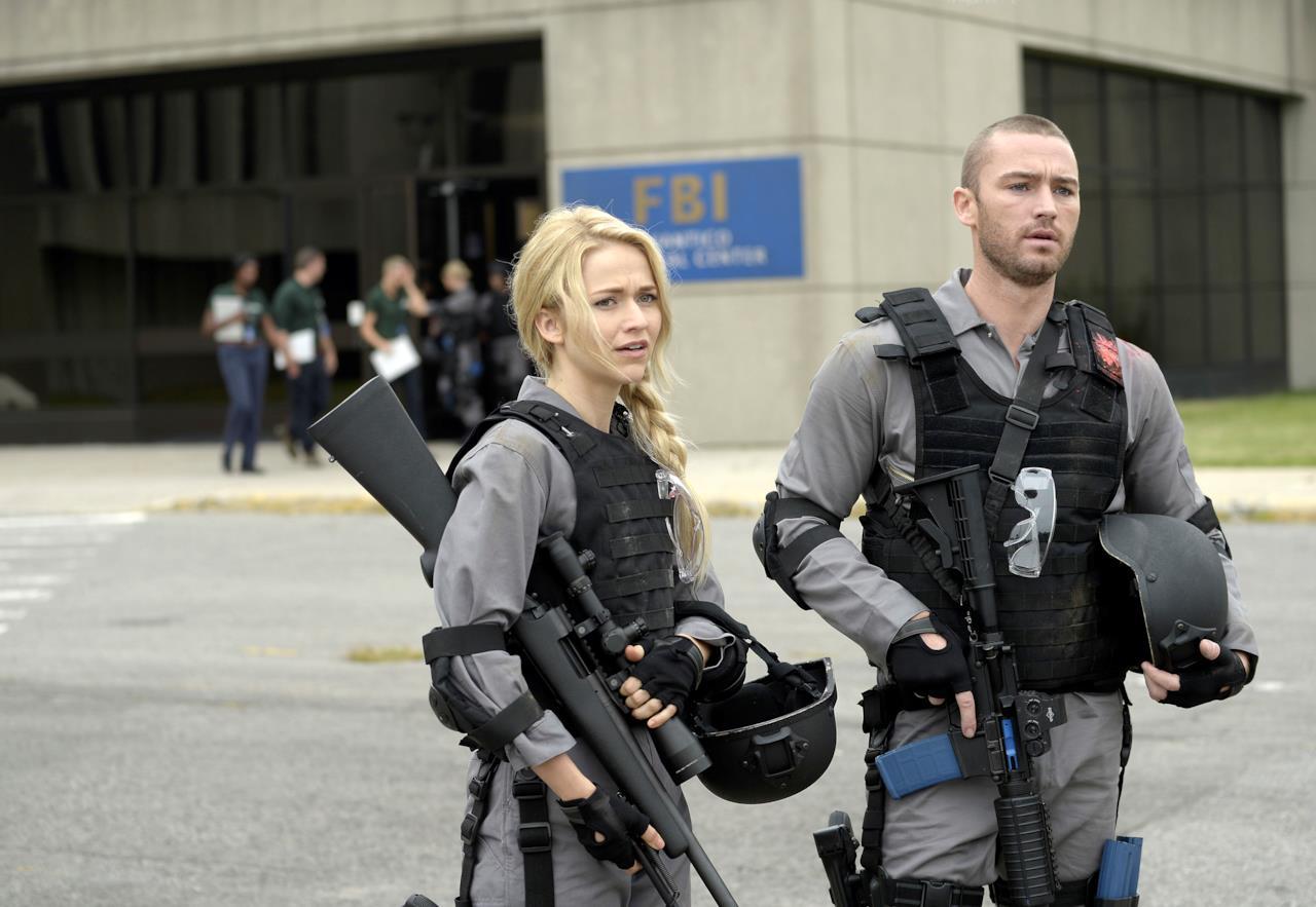 Shelby Wyatt e Ryan Booth durante l'addestramento a Quantico