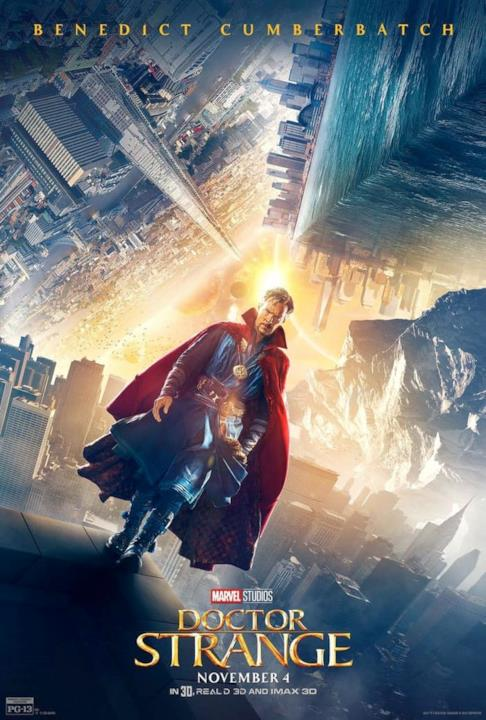 Benedict Cumberbatch nel character poster di Doctor Strange.