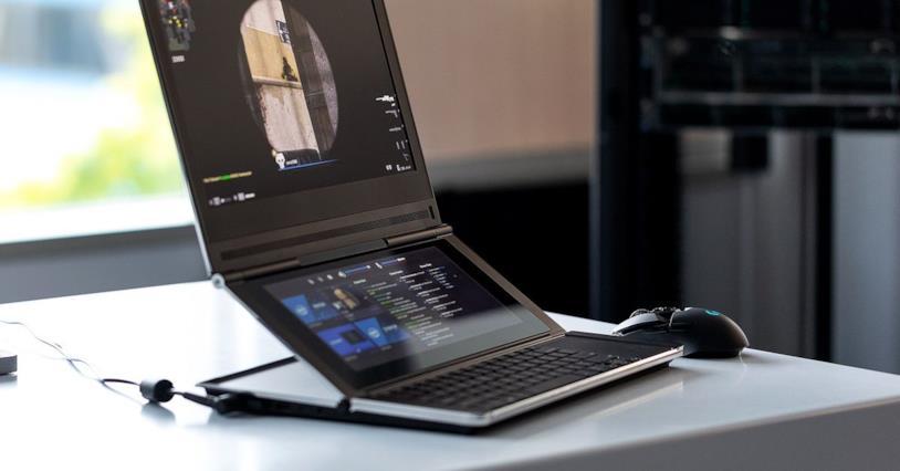 Foto del prototipo del laptop di Intel con doppio schermo