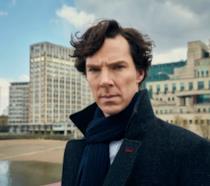 Cumberbatch, lo Sherlock della BBC, salva un fattorino da un'aggressione