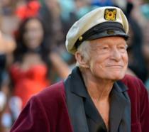 Hugh Hefner con il cappello da marinaio