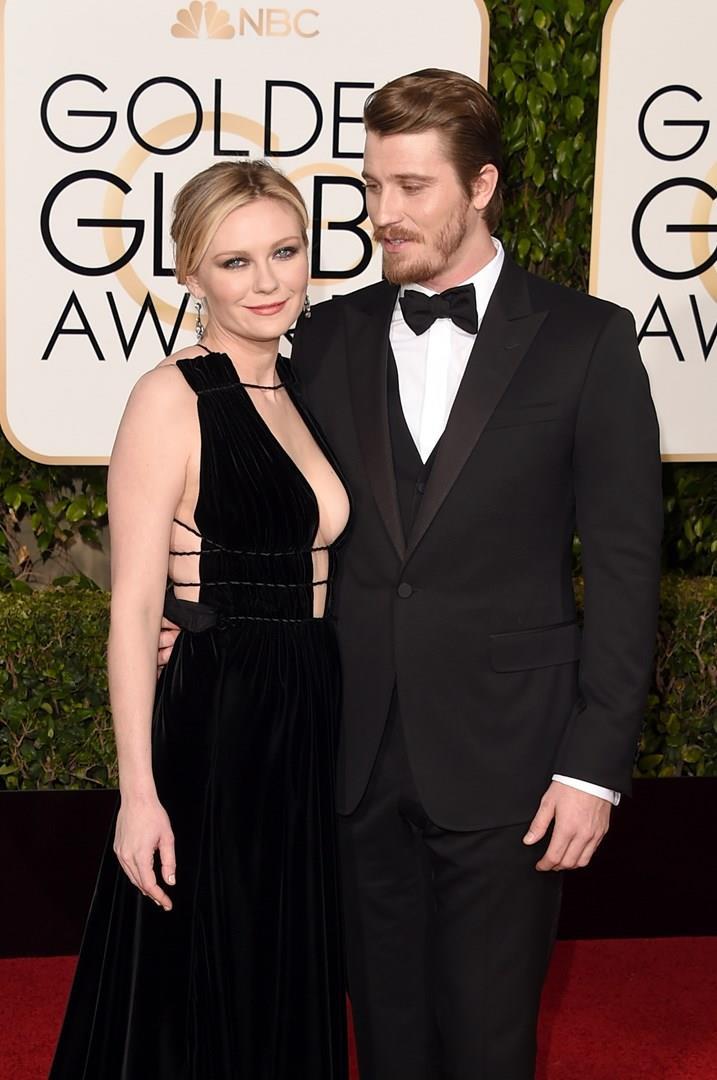 Primo piano di Kirsten Dunst e Garrett Hedlun ai Golden Globes