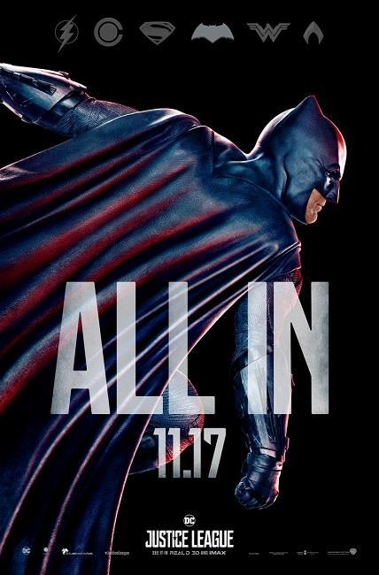 Batman nel nuovo character poster da Justice League