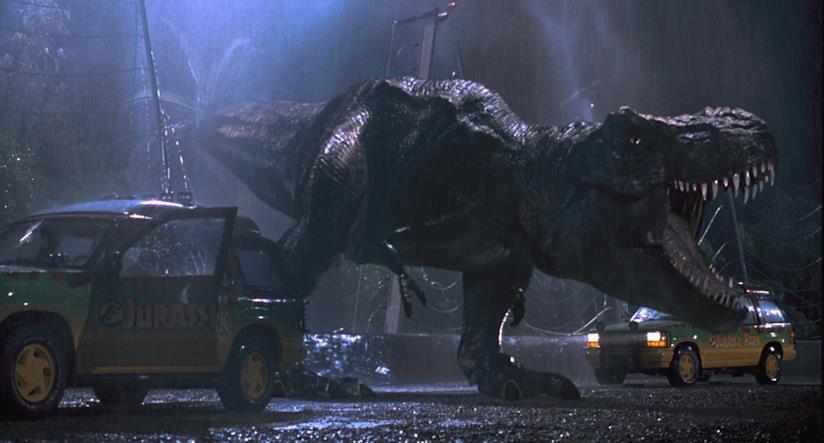 Il T-Rex in una delle scene più famose di Jurassic Park