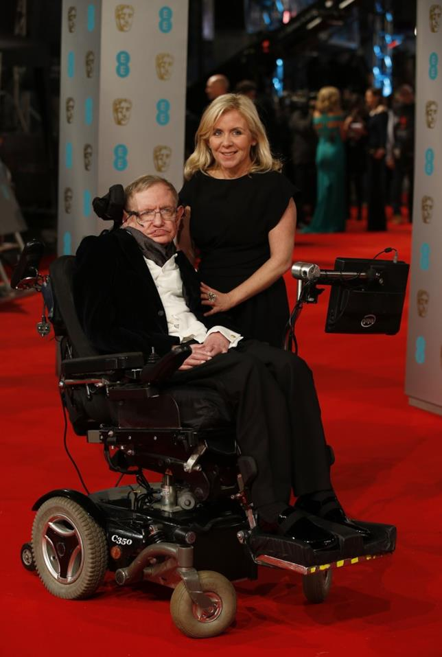 Stephen Hawking agli EE British Academy Film Awards