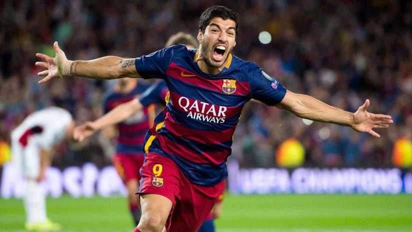 Luis Suárez esulta in campo
