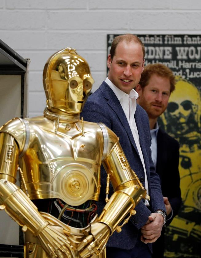William e Harry visitano il set di Star Wars 8