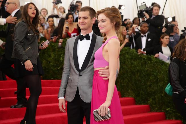 Primo piano di Emma Stone e Andrew Garfield sul red carpet
