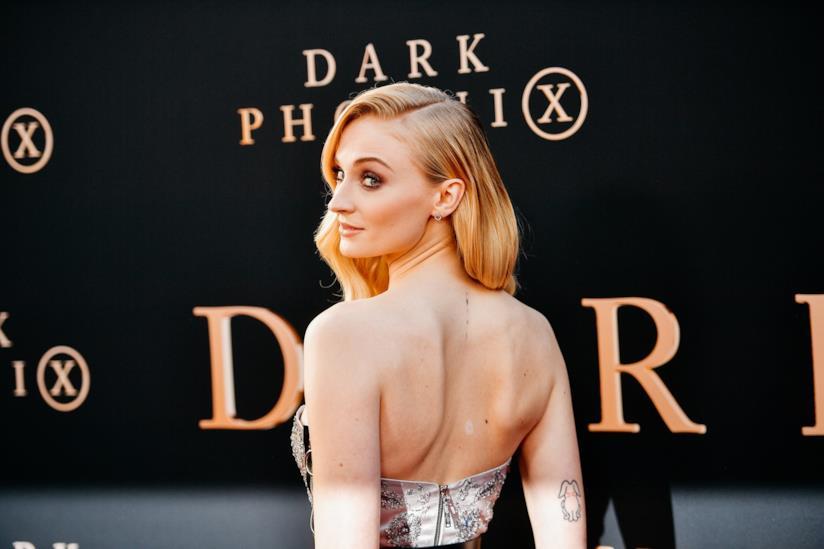 Sophie Turner fotografata durante la premiere di Dark Phoenix