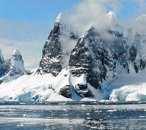 Oleg Beloguzov, lo spoileratore seriale, è stato accoltellato da un collega in Antartide