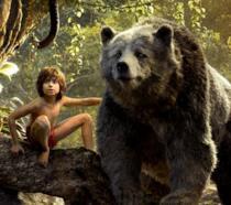 Mowgli e Baloo in nuove immagini dal Libro della Giungla