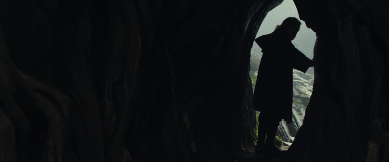 Luke esce da una grotta