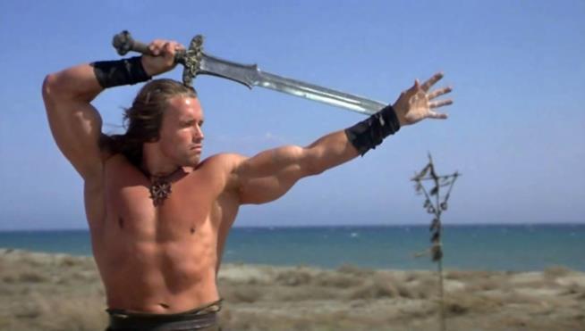 Arnold Schwarzenegger nei panni di Conan il Barbaro