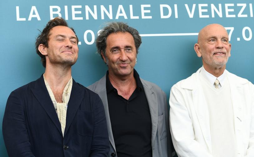 Jude Law, Paolo Sorrentino e John Malkovich sul red carpet