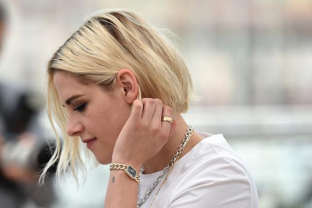 Kristen Stewart posa per il photocall di Café Society