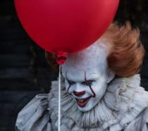 Pennywise interpretato da Bill Skarsgard