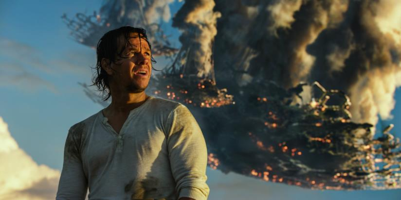 Wahlberg in una scena dell'ultimo Transformers