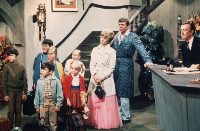 il cast de La Famiglia Brady in una foto di scena