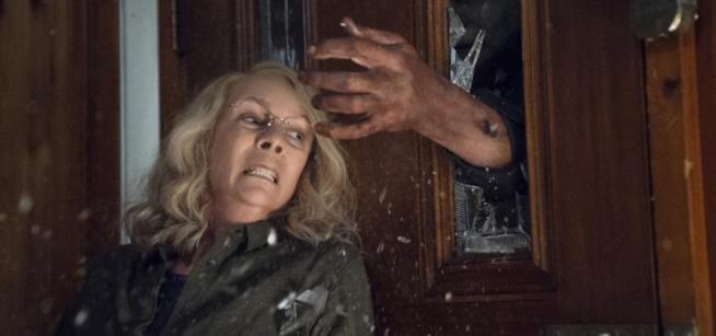 Michael Myers e Laurie Strode in una scena del film