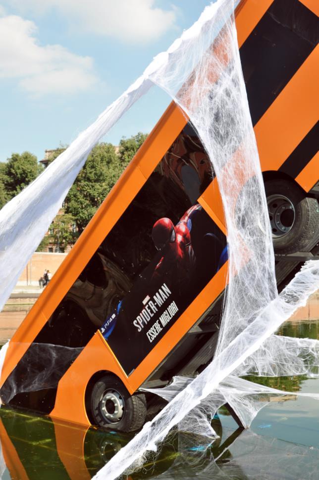 L'autobus salvato da Spider-Man a Milano