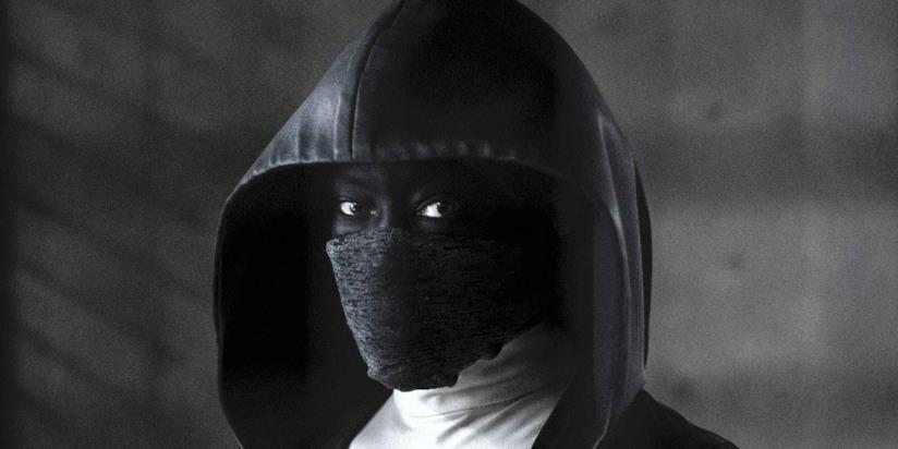 Un primo piano di Regina King nei panni di Angela Abraham in Watchmen