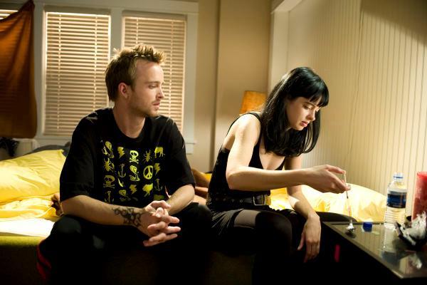 Breaking Bad: Aaron Paul e Krysten Ritter in una scena