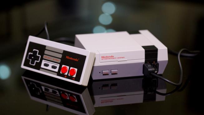 Il NES Classic Mini e il suo controller
