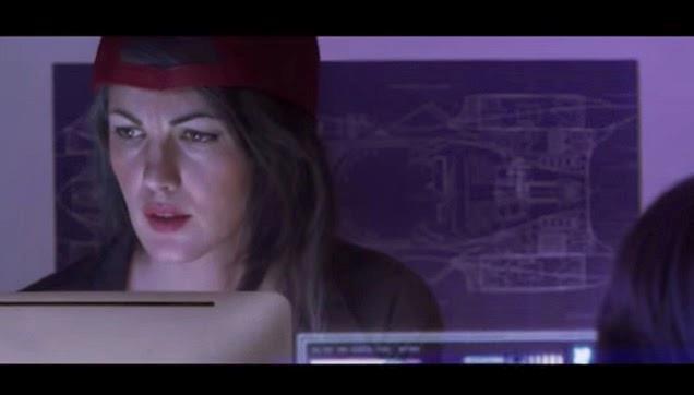 Bulma lavora alla macchina del tempo