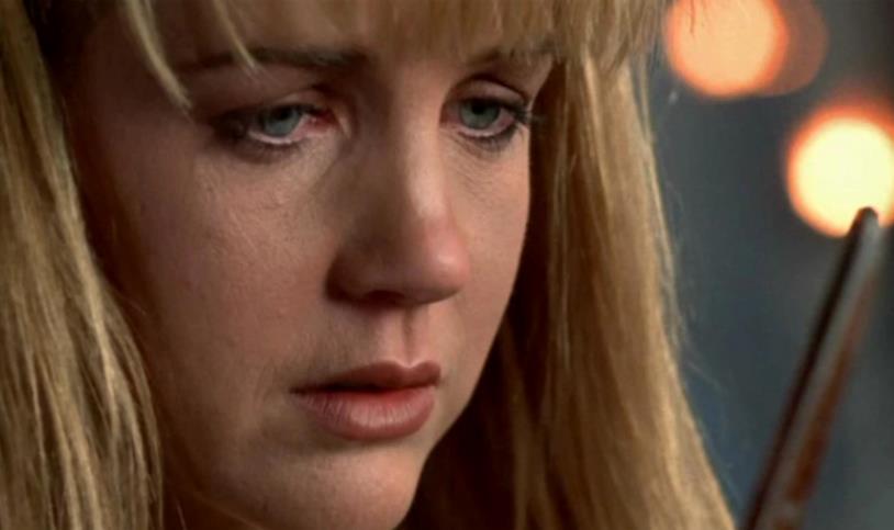Olimpia, l'amica di Xena, disperata perché ha ucciso per la prima volta