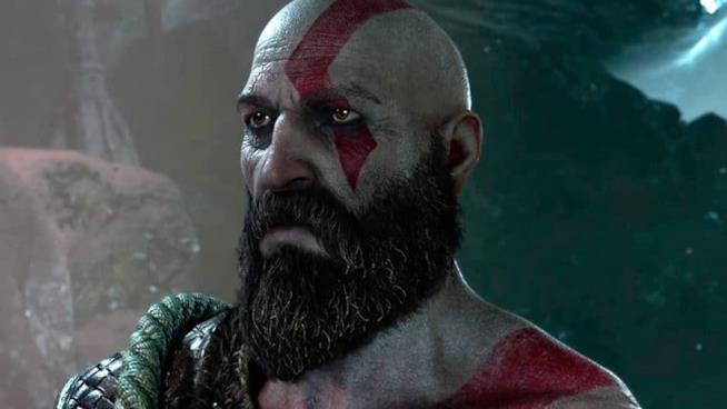 Un primo piano di Kratos dal nuovo God of War