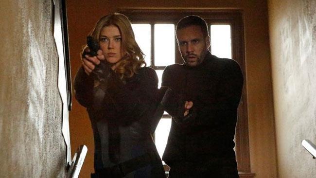 Bobbi Morse e Lance Hunter, protagonisti di Marvel's Most Wanted