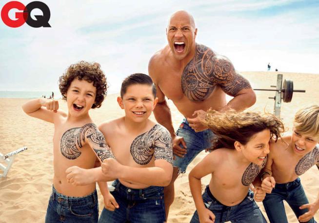 The Rock con i bambini in spiaggia